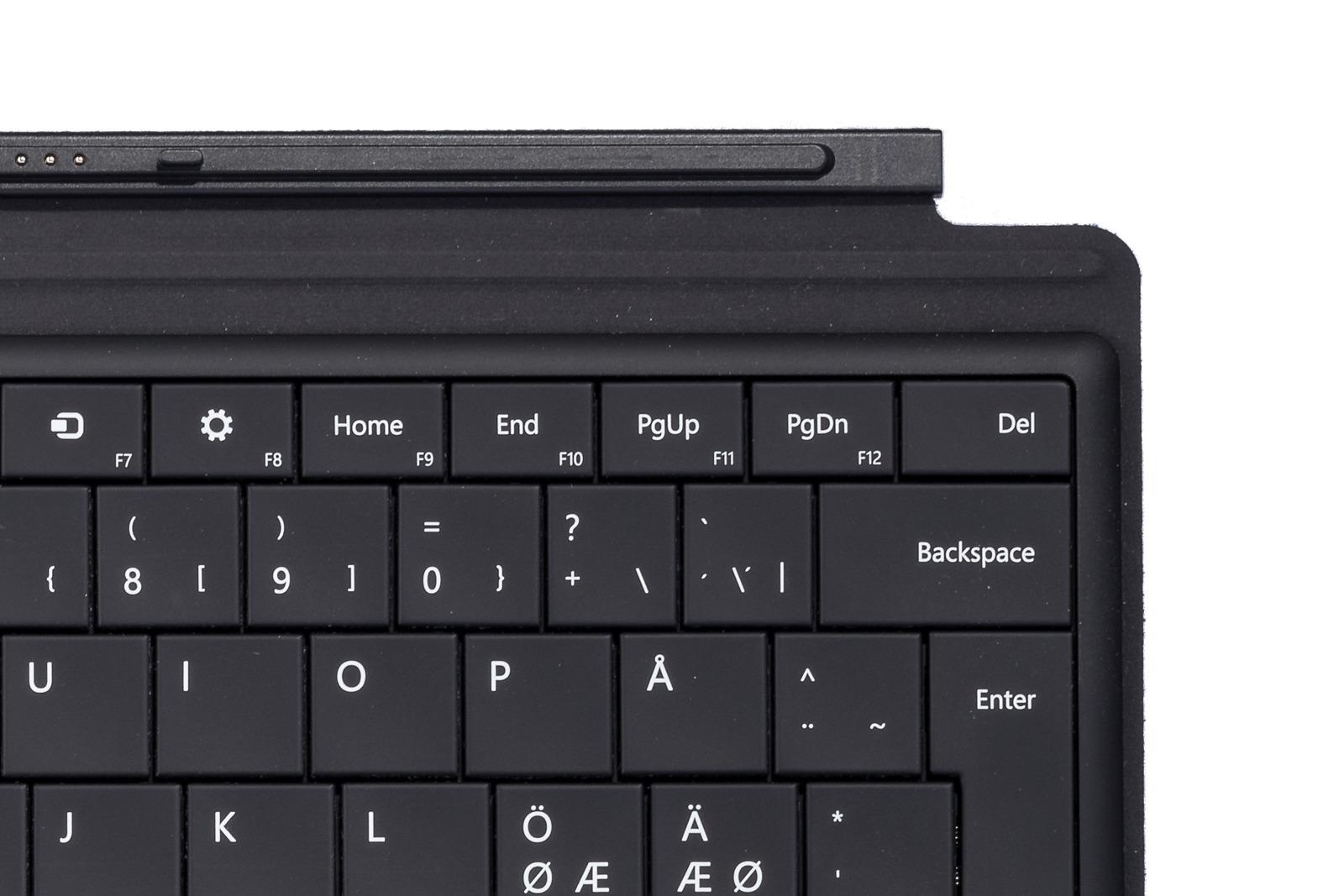 Microsoft Surface Type Cover Black (German / Deutsch)