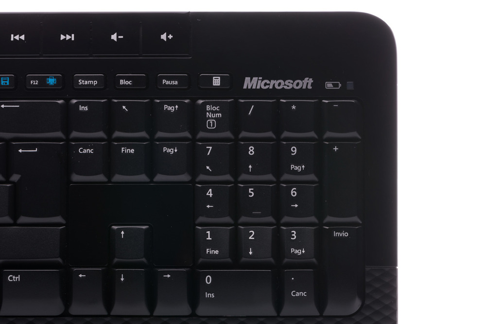 Keyboard and Mouse Set Microsoft Wireless 2000 Desktop (Italian) M7J-00009