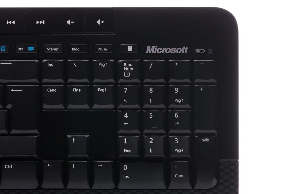 Klawiatura Microsoft Wireless 2000 Desktop (Włoska)