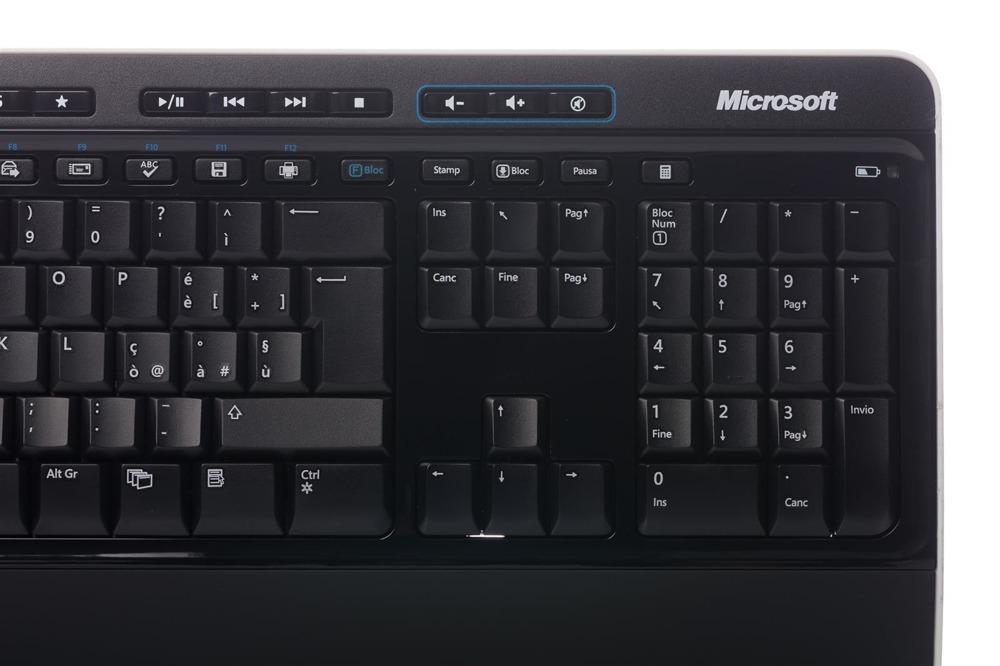 Klawiatura Microsoft Wireless 3000 Desktop (Włoska)